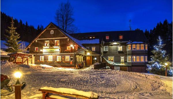Zimní pobyt v penzionu Rusalka s polopenzí a relaxací v privátní sauně