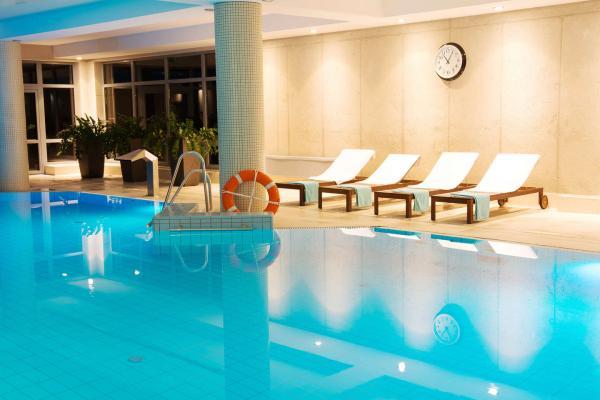 Luxus a relaxace v polském Hotelu Dwór Elizy*** v údolí Kladska s polopenzí, neomezeným wellness a platností do června 2021