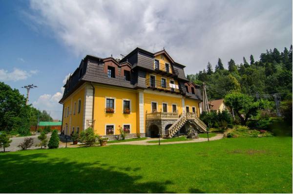 Novinka v podobě dovolené v krásném zámečku Hanus *** s kouzelnou atmosférou, osobitým přístupem a domácí stravou v úžasné lokalitě Pienin
