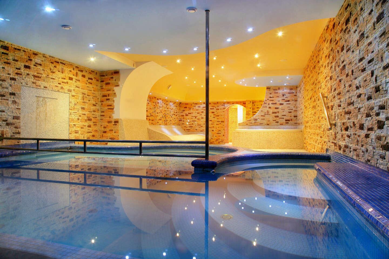 Dokonalý odpočinek ve Špindlerově Mlýně s neomezeným wellness a polopenzí v hotelu Lesana ***