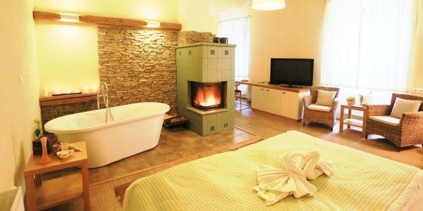 Úžasný odpočinek s wellness a polopenzí v hotelu Líšeňský Dvůr v krajině Žďárských Vrchů s dítětem do 5,9 let zdarma a platností do konce roku 2021