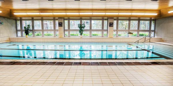 Od jara až do podzimu na břehu Máchova jezera v Hotelu Bezděz*** s polopenzí a bazénem bez omezení