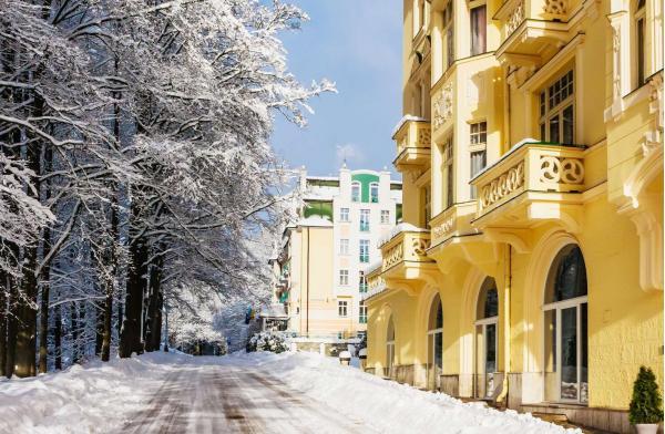Lázeňský pobyt s polopenzí a možností procedur v Hotelu Pelikán pro dva s platností po celý rok 2021