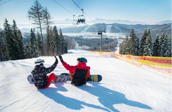 Od zimy do jara v Chatě Barborka v Horní Bečvě s polopenzí v blízkosti ski areálů i Stezky v korunách stromů