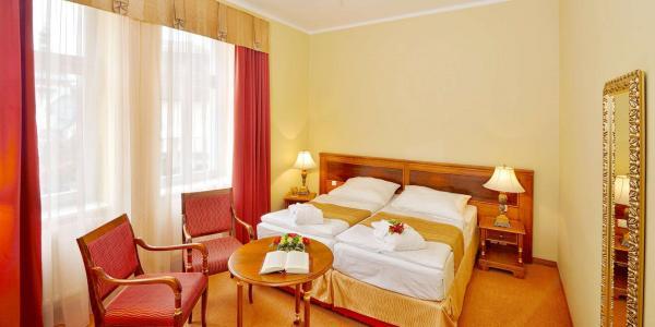 Jaro až zima v Hotelu Continental**** v Mariánských Lázních s polopenzí, wellness a množstvím procedur