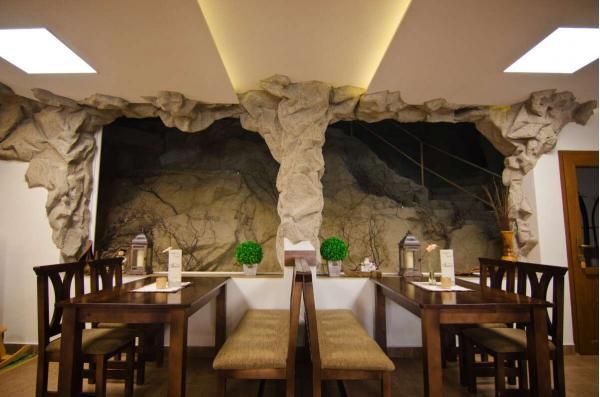 Hotel Fatra s vlastní jeskyní - pobyt v centru Terchové jen kousek od Vrátné doliny a Jánošíkových děr
