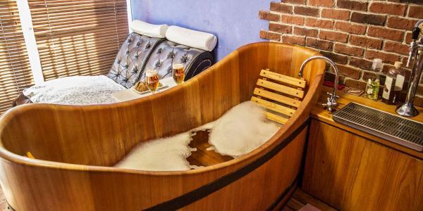 Lázeňský wellness pobyt plný odpočinku v Poděbradech pro dva se speciální pivní koupelí a procedurami