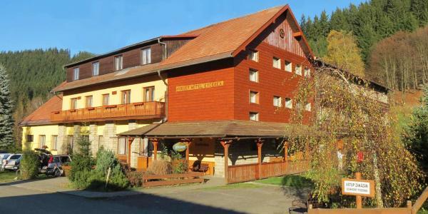 Horský hotel Kyčerka uprostřed hor a lesů s polopenzí přímo u bikeparku