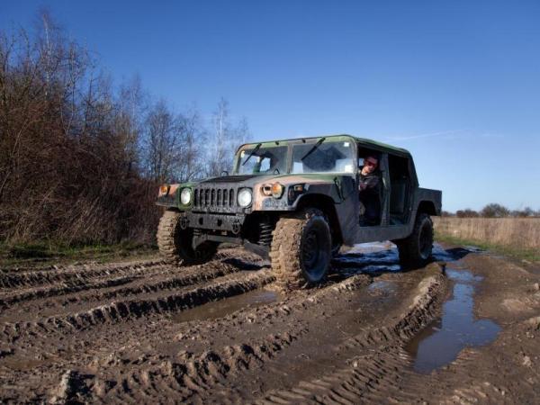Řízení legendárního vozu Humvee Praha
