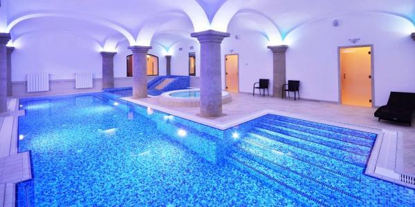 Luxus v hotelu Malý Pivovar**** v Českém ráji, s wellness, slavnostní večeří při svíčkách i variantami s procedurami