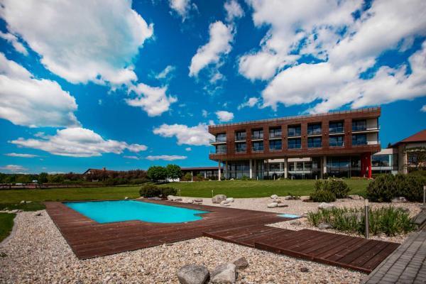 Luxusní Resort K-Triumf**** s rautovou polopenzí, privátním wellness, vínem a množstvím aktivit kousek od Dvora Králové