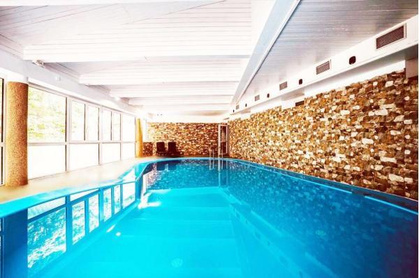 Interhotel America **** uprostřed přírody jižních Čech s neomezeným vstupem do bazénu, sauny a fitness