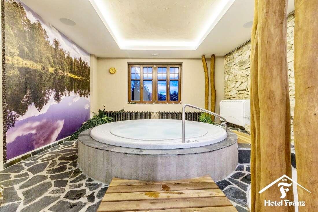 Ubytování v hotelu Franz v srdci Jeseníků s jídlem a wellness až do října 2021