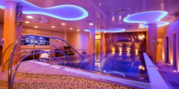 Hotel Ambiente **** v centru Karlových Varů s polopenzí, neomezeným wellness, procedurou dle výběru