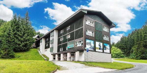 Dovolená v hotelu Lenka v centru Špindlerova Mlýna se vstupy na lanovku Svatý Petr, polopenzí a neomezeným využitím sauny