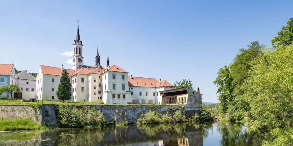 Letní túry na Šumavě na skok od Lipna v hotelu Panský dům ve Vyšším Brodě s ubytováním a polopenzí