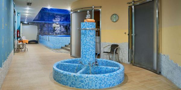 Relax v KurHotelu Brussel **** ve Františkových Lázních s polopenzí nebo plnou penzí, bazénem, saunou a lázeňskými procedurami