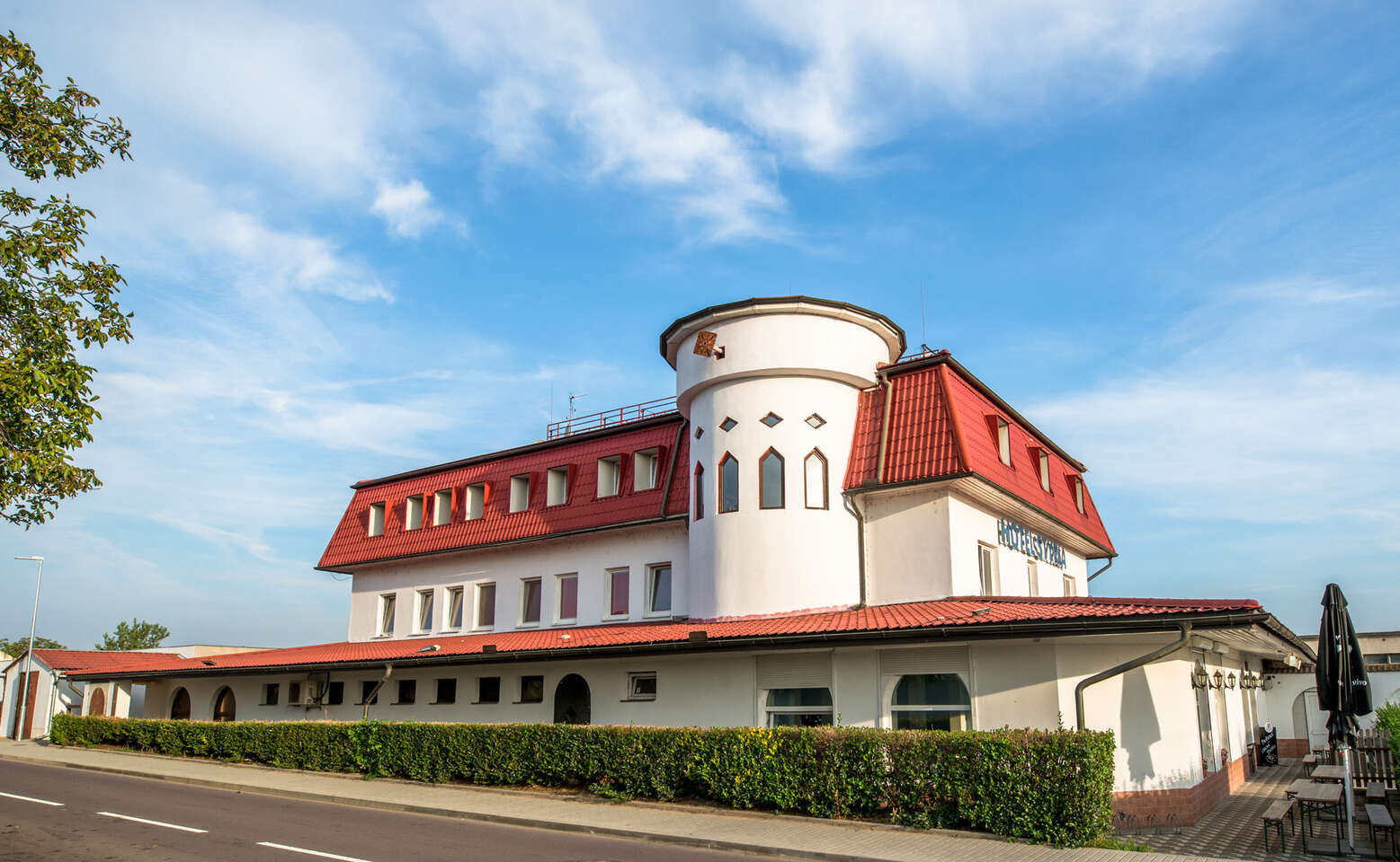 Romantika pro dva ve vinařské oblasti jižní Moravy v hotelu Styria spolopenzí a bazénem