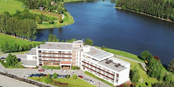 Lázeňský pobyt v Hotelu Adamantino*** u Luhačovické přehrady s plnou penzí, neomezeným wellness a mnoha možnostmi zábavy