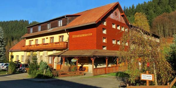 Horský hotel Kyčerka uprostřed hor a lesů s polopenzí a slevou do Vodního světa