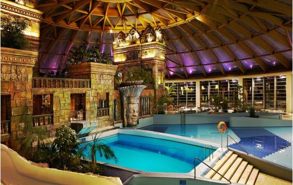 Luxusní hotel Aquaworld Resort Budapest s přímým vstupem do vodního parku Aquaworld, polopenzí a dítětem do 7 let zdarma až do října 2021