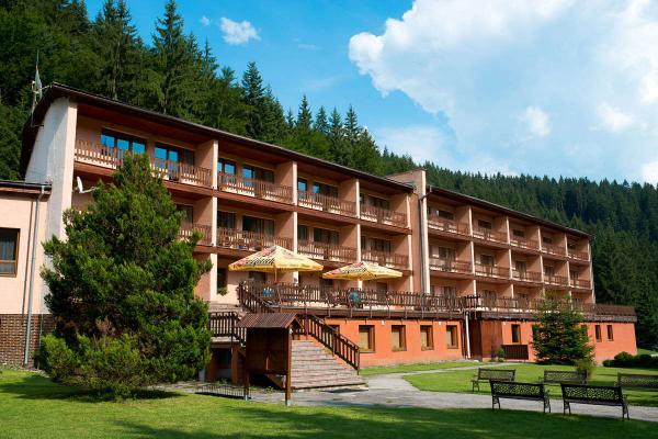 Pobyt v soukromí hor přímo pod hřebenem Javorníků s bazénem, masáží a polopenzí v hotelu Podjavorník