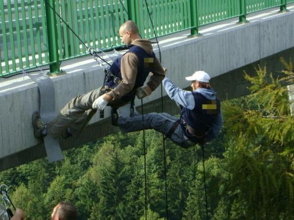 Slaňování z mostu a věže