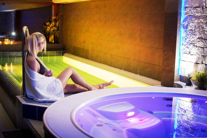 Až 8 dní dokonalého odpočinku v hotelu Slunný Dvůr v Jeseníkách s wellness, polopenzí, krásným výhledem a platností do prosince 2021
