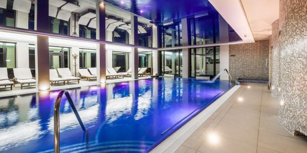 Podzimní wellness pobyt na Zámku Lužec Spa & Wellness Resort**** uprostřed Krušných Hor s polopenzí, wellness a procedurami