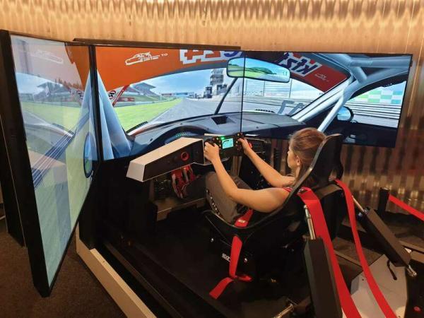 Pohyblivý závodní auto simulátor v Praze Praha