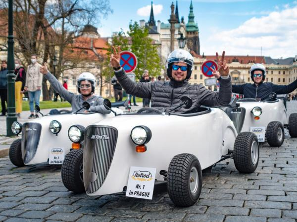 Jízda v mini autech Hot Rod po Praze Praha